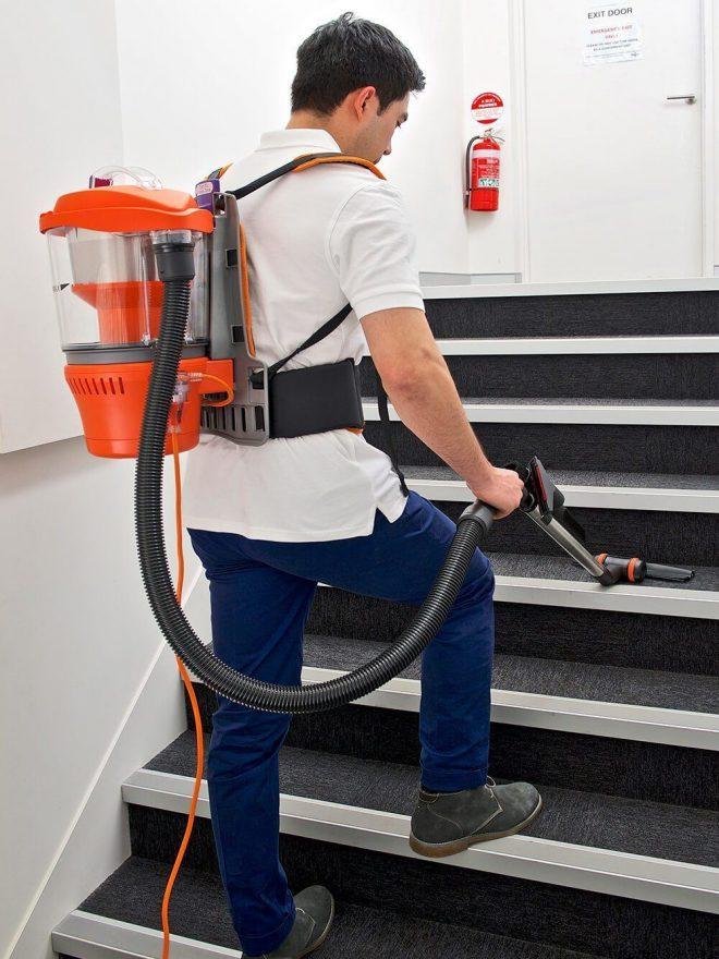 Advantage_-_Bagless_Backpack_Vacuum_Cleaner_04_1eee7498-2467-4b62-93cd-d0235148122a